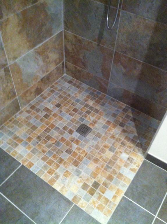 salle d eau dans un appartement douche l italienne wc suspendu atelier 2d. Black Bedroom Furniture Sets. Home Design Ideas
